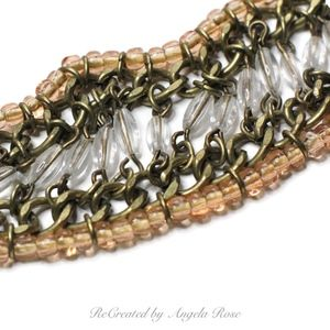 Gold Tone Chain Link Peach & Clear Beads Necklace